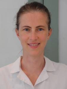 Dr Yvonna Szysko